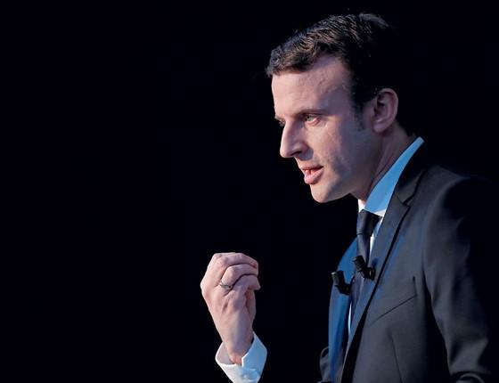 O candidato independente,Emmanuel Macron.Ele nunca disputou uma eleição e aparece agora como favorito para vencer no segundo turno (Foto: Christian Hartmann / Reuters)