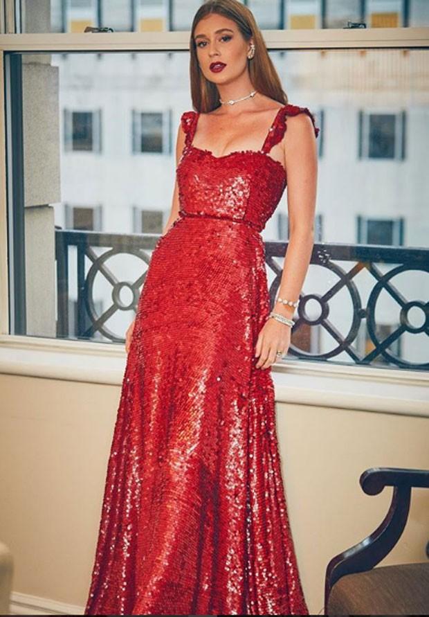 Marina Ruy Barbosa: dama de vermelho (Foto: Reprodução Instagram)