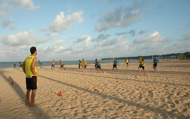 Treino do Botafogo-PB na Praia do Cabo Branco (Foto: Lucas Barros / Globoesporte.com/pb)