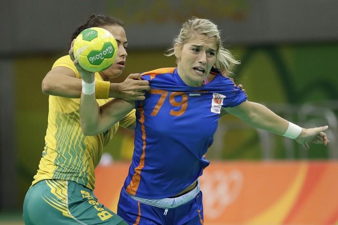 Brasil x Holanda handebol (Foto: AP Photo/Matthias Schrader)