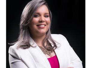 Lícia Loltran é autora de livro sobre famílias homoafetivas  (Foto: Divulgação/ Lícia Loltran)