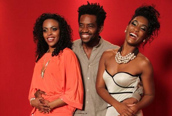 O trio de protagonistas formado por Ana Pérola, Fabricio Boliveira e Erika Januza (Foto: TV Globo)