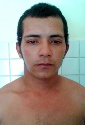 Segundo a polícia, Fransuel Lobo da Silva, 22 anos, confessou o crime (Foto: Cabo José Ivaneide de Araújo/G1)