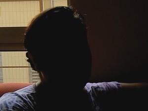 mulher parto denúncia cobrança taxa extra (Foto: Reprodução/RBS TV)