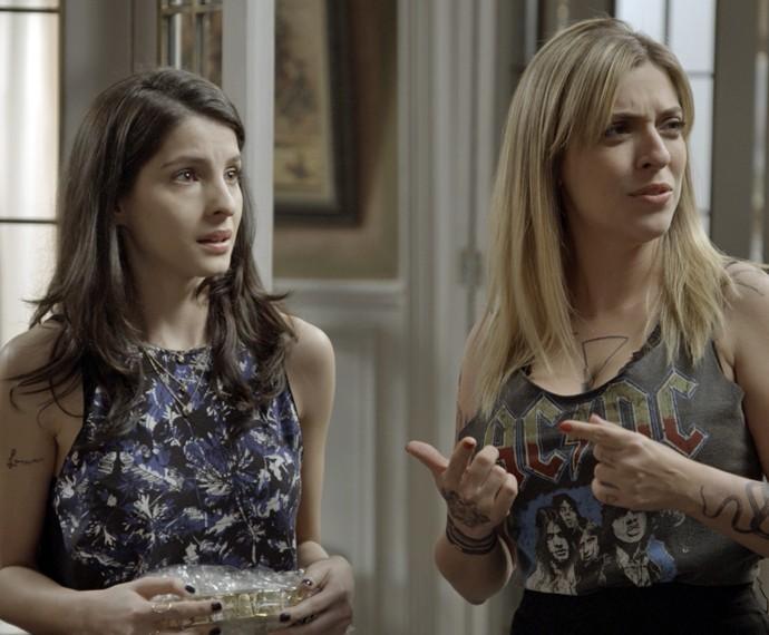 Úrsula fica confusa com história da gravidez de Duda (Foto: TV Globo)