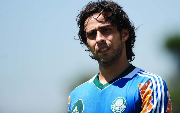 valdivia palmeiras treino (Foto: Marcos Ribolli / Globoesporte.com)