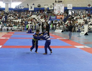 Futura geração do esporte contou com a paricipação de 400 lutadores (Foto: Frank Cunha/GLOBOESPORTE.COM)
