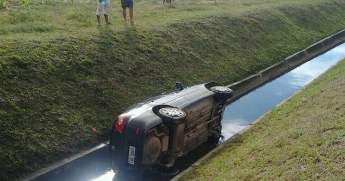 Aeroporto Em Belo Horizonte Proximo Ao Centro : G carro cai em canal próximo ao aeroporto santa maria