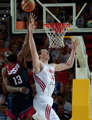 james harden asik eua x turquia basquete mundial (Foto: AP)