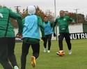 Atletas do Coritiba pregam humildade frente situação complicada do rival