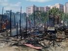 Incêndio destrói duas casas no Tabuleiro (Márcio Chagas/G1)