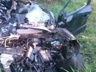 Homem morre após se envolver em colisão com caminhão na SP-255