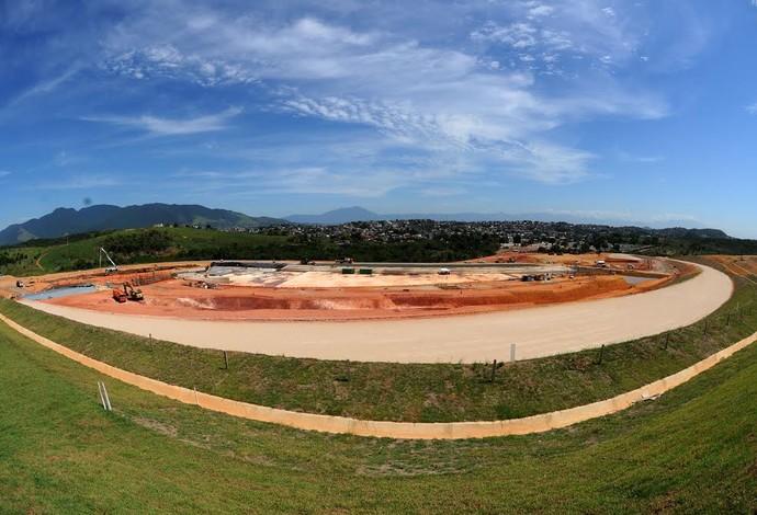 Estádio de canoagem Parque Radical Rio 2016 (Foto: André Durão)