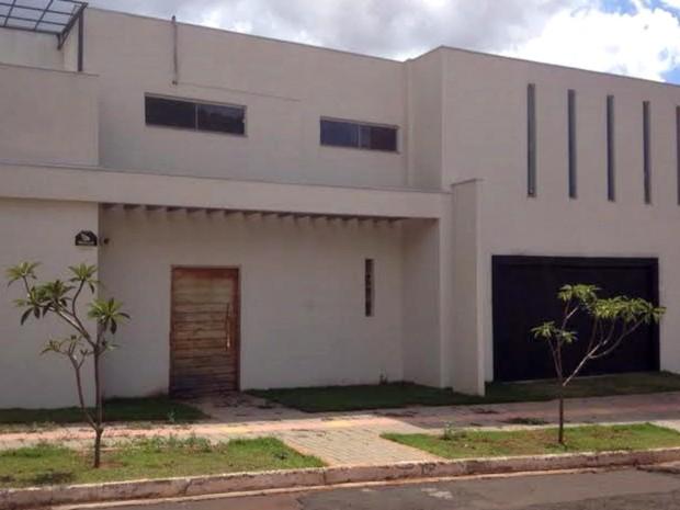 Local onde o músico foi encontrado morto (Foto: Graziela Rezende/G1 MS)