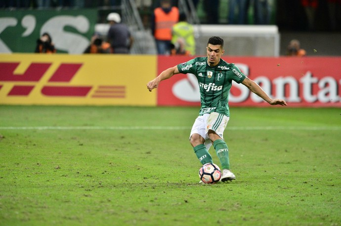 Egídio pênalti Palmeiras Barcelona  (Foto: Marcos Ribolli)