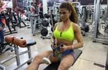 Fisiculturista vence anorexia com ajuda do esporte e conquista títulos  (Lívia Costa)