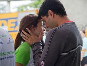Gabriela Arantes, portadora de diabetes, e o marido Marcus - Eu atleta (Foto: Arquivo Pessoal)