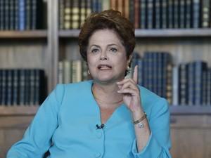 A presidente Dilma Rousseff, candidata à reeleição pelo PT, participa da série Entrevistas Estadão no Palácio da Alvorada, em Brasília, nesta segunda- feira (8) (Foto: André Dusek/Estadão Conteúdo)