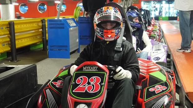 Robert Kubica pilota kart na Itália (Foto: Reprodução)
