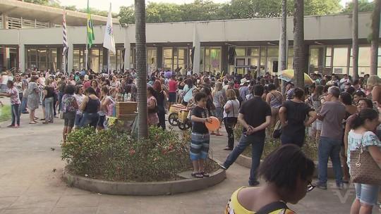 Servidores de Cubatão realizam novo protesto e se reúnem com prefeito