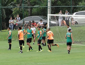 jogadores treino Atlético-MG (Foto: Fernando Martins)