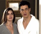 Mateus Solano e Camila Queiroz em cena de 'Pega pega' | TV Globo
