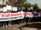 Metalúrgicos fazem ato em frente à empresa Keiper/Prevent, em Betim