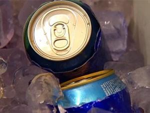 Preço da cerveja e do chope é o que mais sobe neste carnaval, diz FGV (Foto: Reprodução/TV Tem)