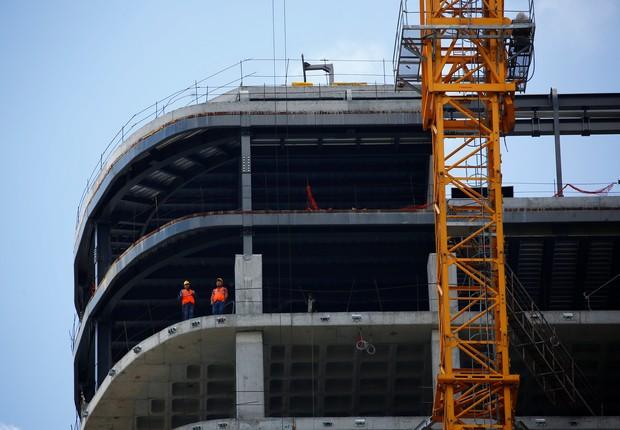 construção - prédio - obras - guindaste - engenheiro - obra  (Foto: Murad Sezer/Reuters)