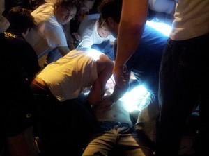 Equipe do Samu realizou traqueostomia para tentar salvar jovem (Foto: Fernanda Testa/G1)
