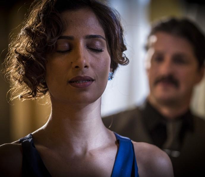 Tereza confessa a Carlos que nunca o amou (Foto: Inácio Moraes/Gshow)