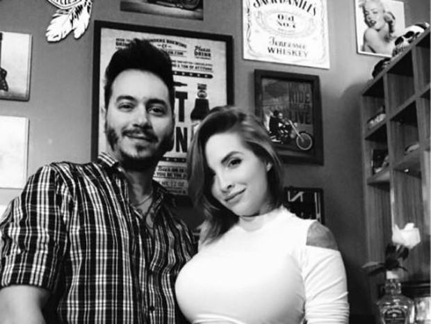 O produtor musical Giu Daga e Clara Aguilar (Foto: Reprodução/Instagram)