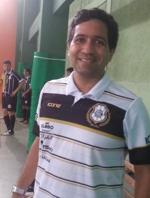Carlos Henrique Simões, técnico de futsal do Rio Branco (Foto: Richard Pinheiro/Globoesporte.com)