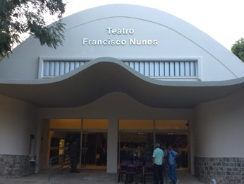 Fachada reformada do Teatro Francisco Nunes, em Belo Horizonte. (Foto: Flávia Cristini/ G1)