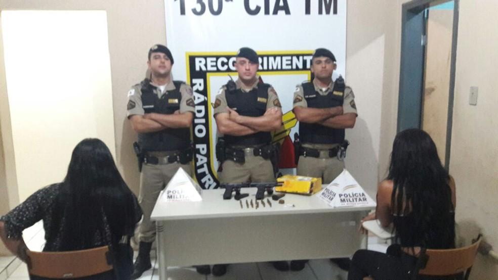PM apreendeu droga, armas e munições (Foto: Polícia Militar/ Divulgação)