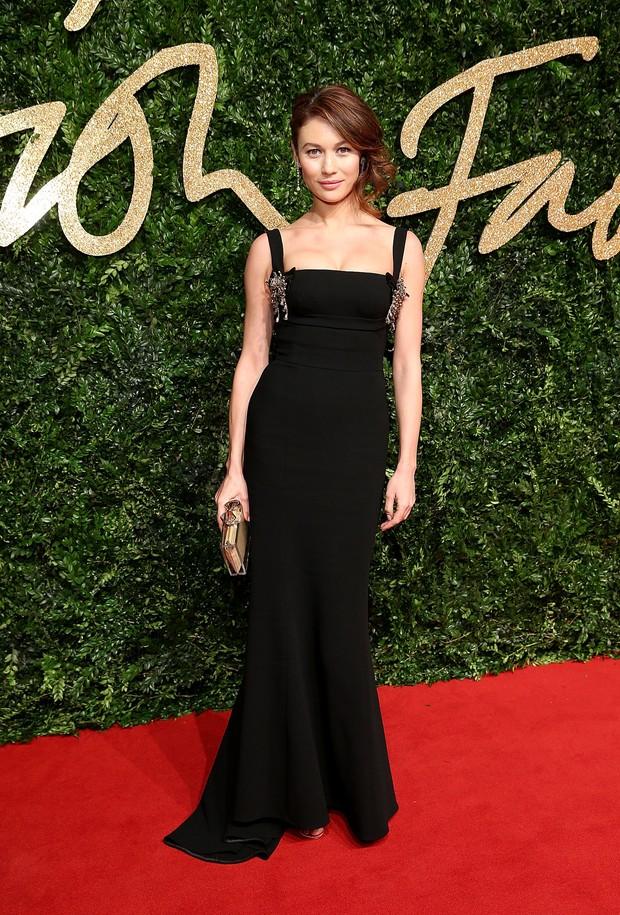 Olga Kurylenko no British Fashion Awards (Foto: Getty Images)