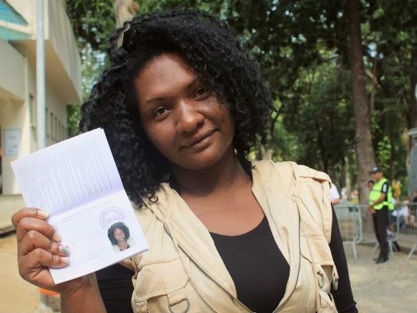 """Ana Paula Romeu: """"Já tive carteira de trabalho, mas caiu a foto e ficou toda ruim. Eu precisava dela urgente para dar entrada no meu auxílio desemprego."""" (Foto: Divulgação/Yzadora Monteiro)"""