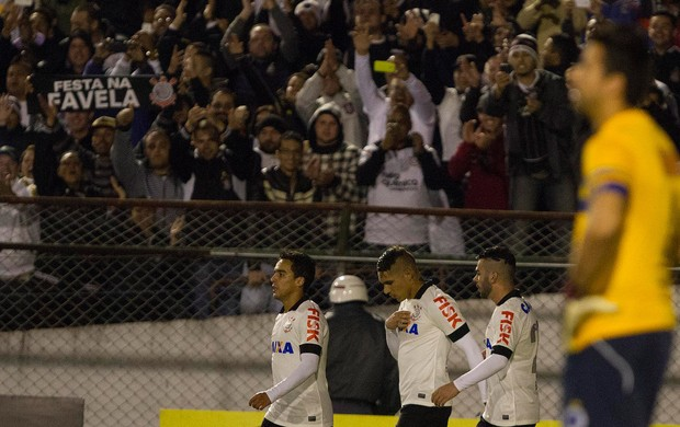 Guerrero gol Corinthians (Foto: Reginaldo Castro)