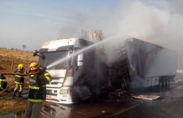 Engarrafamento na BR-060 chegou a 6 km, em Anápolis, Goiás (Foto: Divulgação/Corpo de Bombeiros)