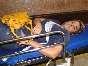 Tatiani Ambrósio é uma das passageiras feridas em acidente com ônibus em Belo Horizonte (Foto: Flávia Cristini/G1)