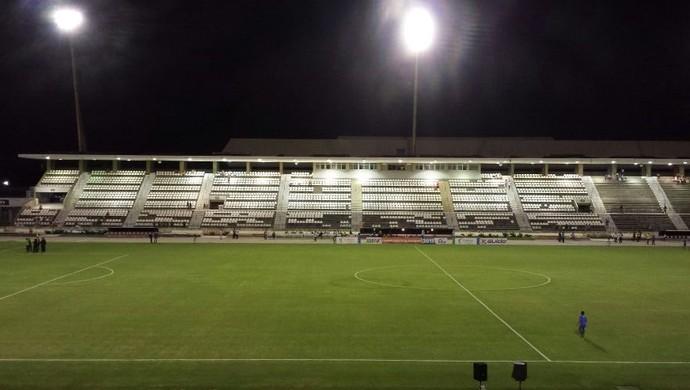 Estádio Rei Pelé preparado para receber CSA x ASA (Foto: Leonardo Freire/GloboEsporte.com)