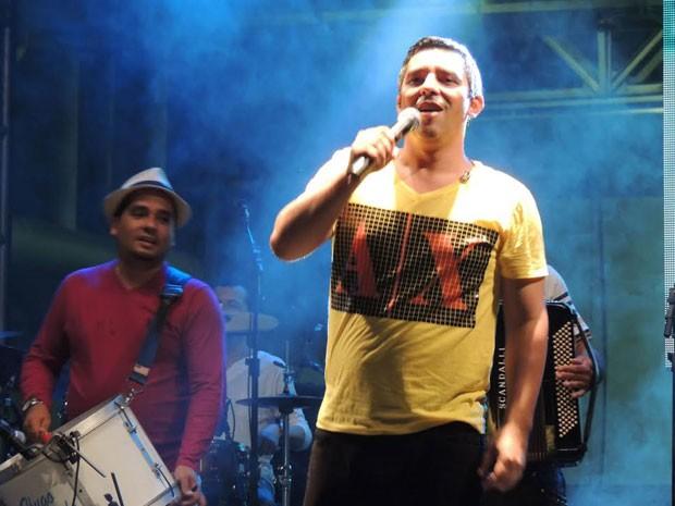 Jornalista e cantor, Rodrigo Raposo abriu a Sala de Reboco (Foto: Luna Markman/G1)