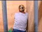 Jovem é presa por morte do marido ao denunciá-lo por agressão, em GO