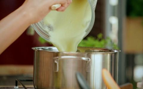 Sopa de palmito pupunha com couve-flor e cogumelos