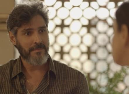 Pai de Benê surpreende Josefina: 'Eu preciso me divorciar de você'