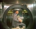 Mayweather homenageia Ali e posta famosa foto com pilhas de dinheiro