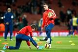 """Podolski se irrita com falta de chances no Arsenal: """"Não sou um palhaço"""""""