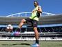 Montillo treina e fica à disposição de Jair; no gol, Helton Leite será o titular