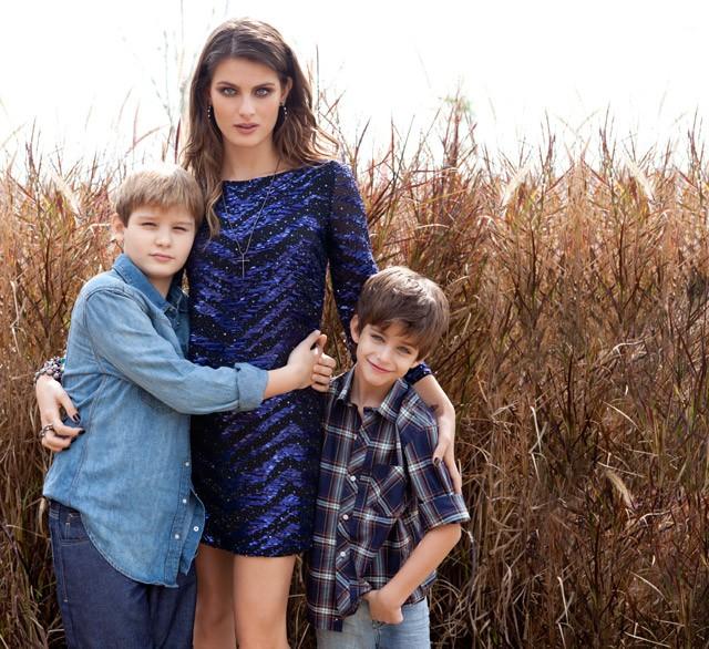 """Mãe Modelo"""" com Isabeli Fontana e seus filhos Zion e Lucas por J.R. Duran, com styling de Yasmine Sterea e make&hair de Saulo Fonseca em junho de 2012 (Foto: Arquivo Vogue)"""