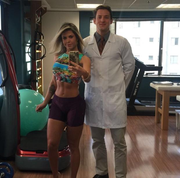 Cacau Colucci em consulta com o médico de performance humana Sérgio Pistarino (Foto: Reprodução/Arquivo Pessoal)